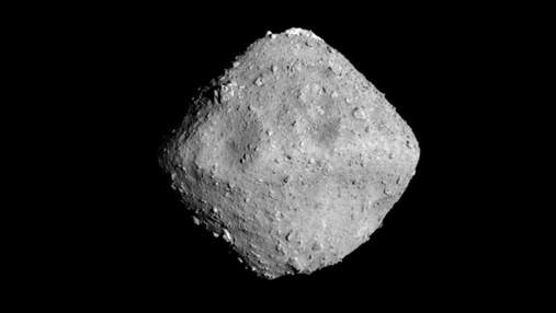Колобок у космосі: кратерам астероїда Рюгу дали казкові імена