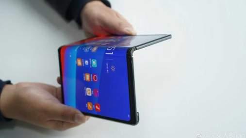 Oppo показала свій гнучкий смартфон Mate X