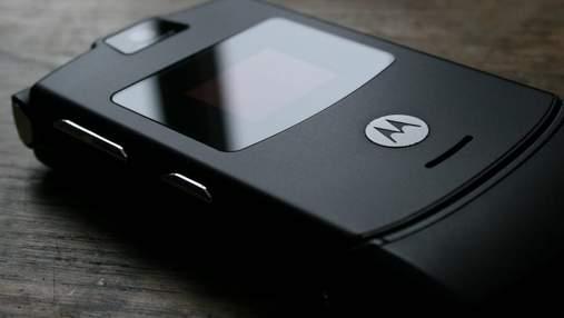 "Motorola подтвердила разработку гибкого смартфона ""жабки"""
