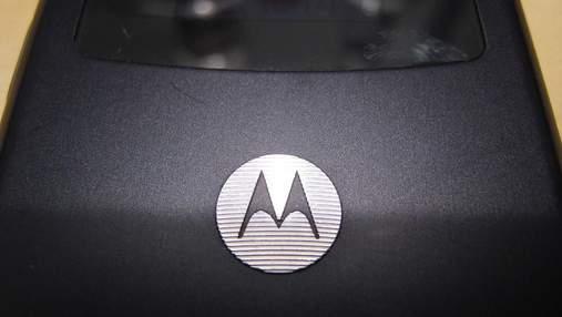 Розкрили основні особливості гнучкого смартфона Motorola Razr V3