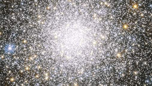 """Hubble """"поймал"""" невероятное звездное скопление: фото"""