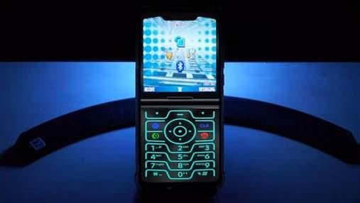 Стокові шпалери та оболонка смартфона Motorola Razr з'явилися у мережі