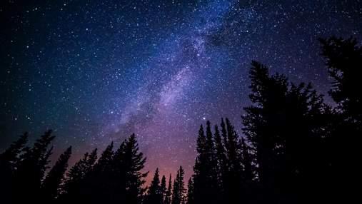 """Астрономы обнаружили мертвую галактику """"монстров"""""""
