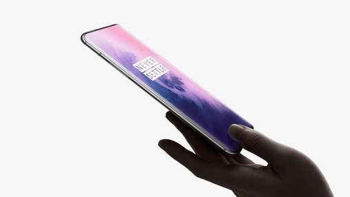 Неанонсований смартфон OnePlus 8 засвітився в руках Роберта Дауні-молодшого: фото