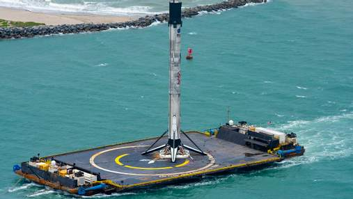 SpaceX доставила в порт ступень ракеты Falcon 9: видео