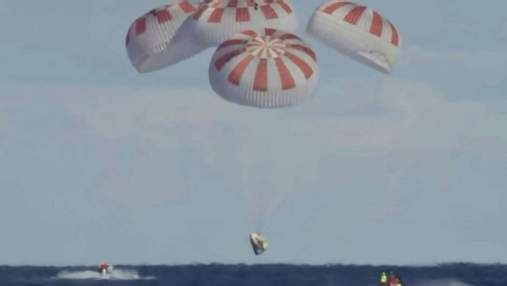 SpaceX успішно повернула Crew Dragon на Землю: приводнення екіпажу – відео