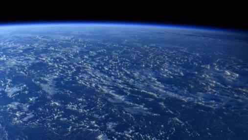 Фото дня: как выглядит Земля через иллюминатор МКС