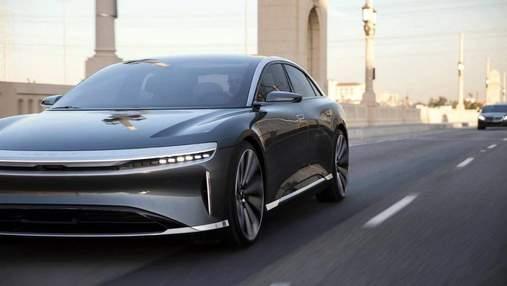 Конкурент Tesla показав новий електрокар в дії: відео