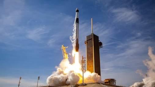 SpaceX запустила новую версию грузового Dragon на МКС