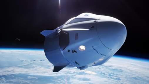 Космический корабль Dragon успешно отстыковался от МКС и направляется к Земле