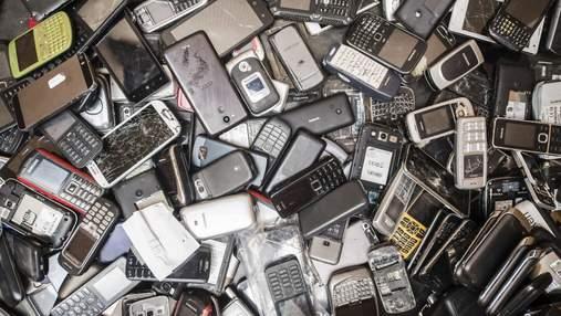 Эксперты подсчитали стоимость смартфонов, которые мы выбрасываем в мусор