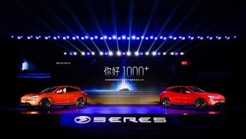 Seres представил первый в мире электрокар на платформе Huawei