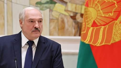 За вами стежать американці: Лукашенко розкритикував iPhone 12