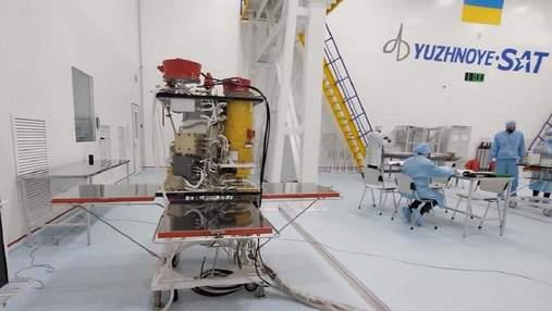 """Украина выбрала SpaceX для запуска собственного спутника """"Сич 2-30"""""""