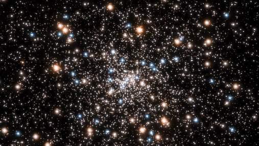 Телескоп Hubble обнаружил скопление маленьких черных дыр: видео