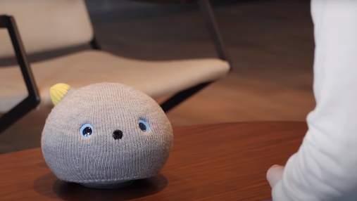 Panasonic представила робокота, который может игнорировать хозяина