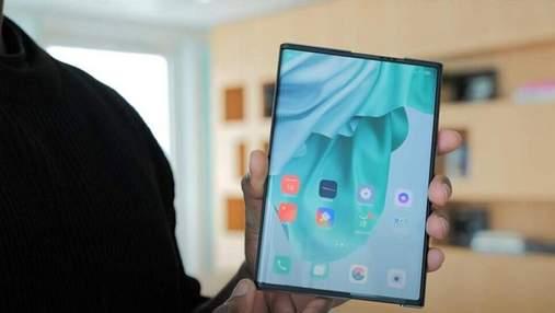 Смартфон Oppo, який буде розтягуватись, вже незабаром з'явиться на ринку