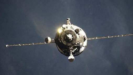"""Корабль""""Прогресс МС-16"""" пришлось стыковать к МКС вручную из-за поврежденной антенны"""