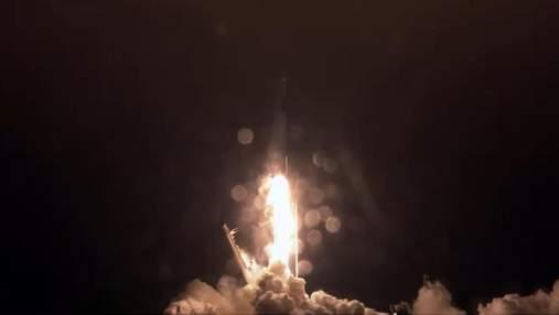 SpaceX запустила ракету Falcon 9 с очередной партией спутников Starlink: смотрите видео