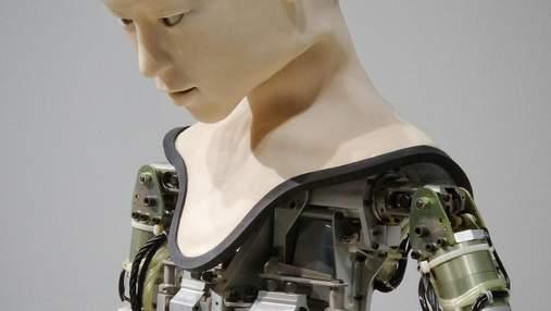 Війна ставок: 12-секундний ролик робота Софії продали на аукціоні за 700 мільйонів доларів