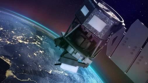 Міноборони мовчить: російський військовий супутник вибухнув над Тихим океаном