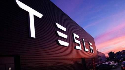 Финансовый директор Tesla приобрел дом у озера за почти 4 миллиона долларов: впечатляющее фото
