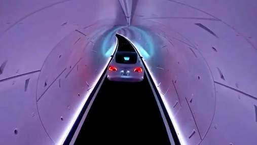 Повільно і нудно: журналісти розповіли про перші випробування поїздок в тунелях Boring Company
