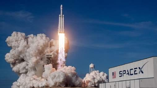SpaceX відправить на Місяць апарат для пошуку води