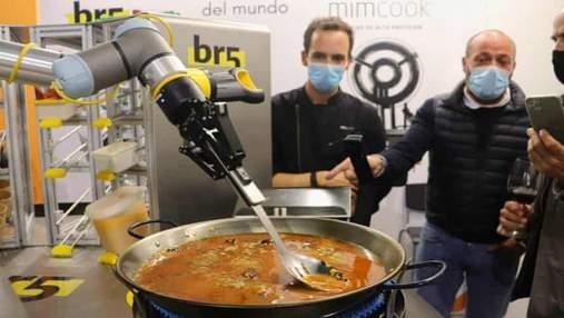 В Испании представили робота, который может приготовить паэлью