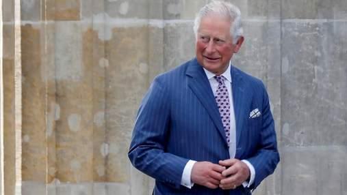 """""""Пальцы-сосиски"""" принца Чарльза в топе самых популярных запросов британцев в Google: почему"""