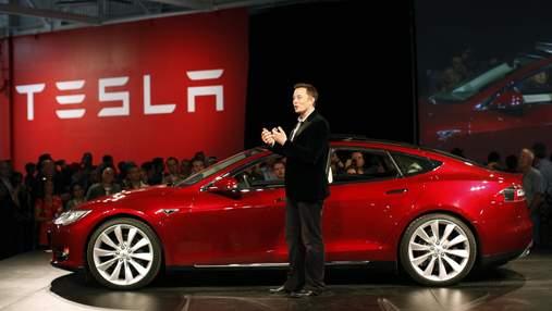 Tesla хоче позбутись залежності: Ілон Маск планує купити завод з виробництва чіпів