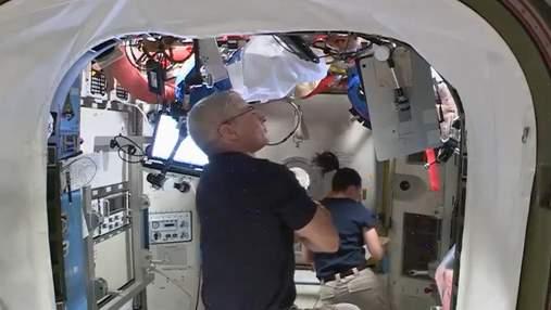 NASA розробляє спосіб прання одягу в космосі