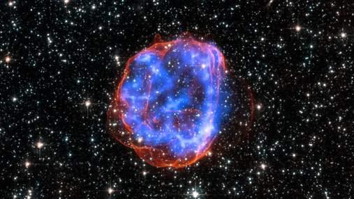 Взрывная волна от сверхновой звезды столкнулась с газовой стеной: видео