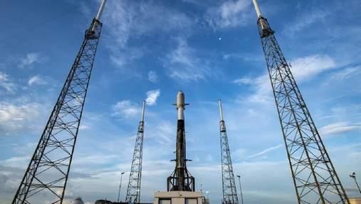 SpaceX отменила запуск ракеты Falcon 9 за 11 секунд до старта: все из-за самолета в зоне пуска
