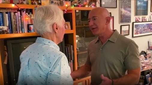 Найстарша людина у космосі: 82-річна американська льотчиця полетить разом з Джеффом Безосом