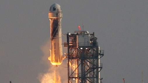 Джефф Безос полетів у космос і викликав хвилю мемів в мережі