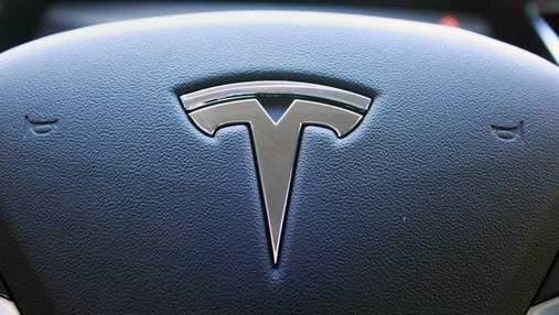 Чистая прибыль Tesla за квартал впервые превысила миллиард долларов