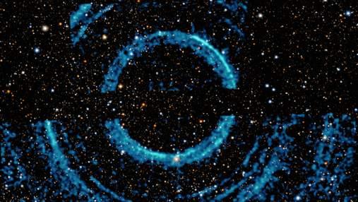 Не Сатурном единственным: в черной дыре обнаружили кольца