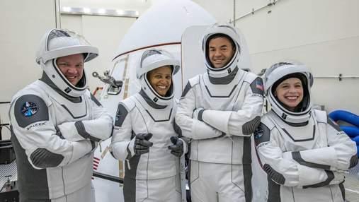 SpaceX готовится к первой миссии с гражданским экипажем – Inspiration4: дата полета и детали