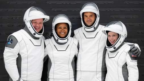 Вітаємо вдома: екіпаж Inspiration4 повернувся на Землю – усе про історичну місію SpaceX