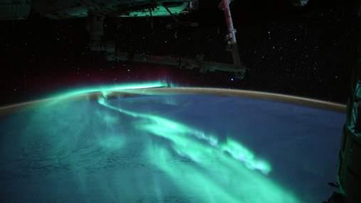 """""""Світанок півдня"""" очима астронавта: космічно красиві знімки полярного сяйва"""