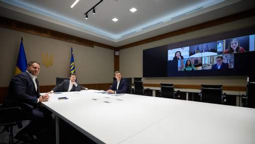 Зеленский предложил Facebook открыть офис в Украине
