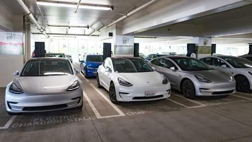 Tesla снова достигла невозможного: компания выпустила на рынок рекордное количество новых авто