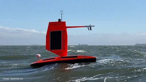 Автономний дрон прорвався через ураган