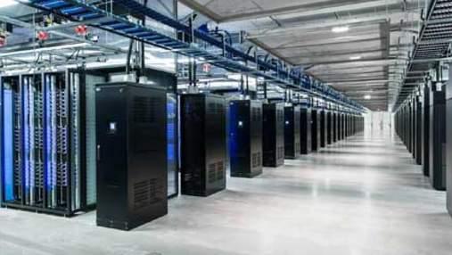 Масштабний збій Facebook: компанія спробує вручну перезапустити свої сервери у Каліфорнії