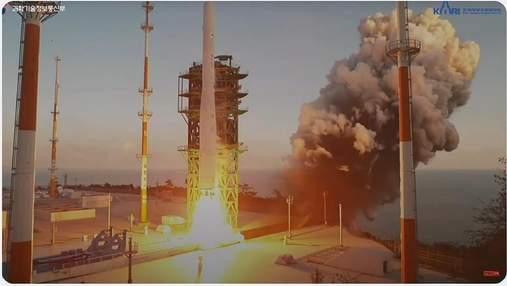 Корея впервые запускает первую полностью отечественную ракету в космос