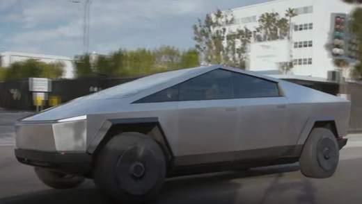 """Tesla має """"план Б"""", якщо Cybertruck провалиться"""