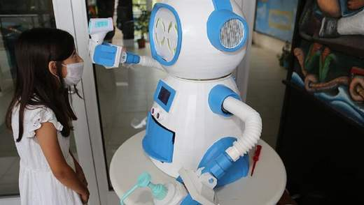 У Туреччині розробили робота для боротьби з поширенням COVID-19: фото